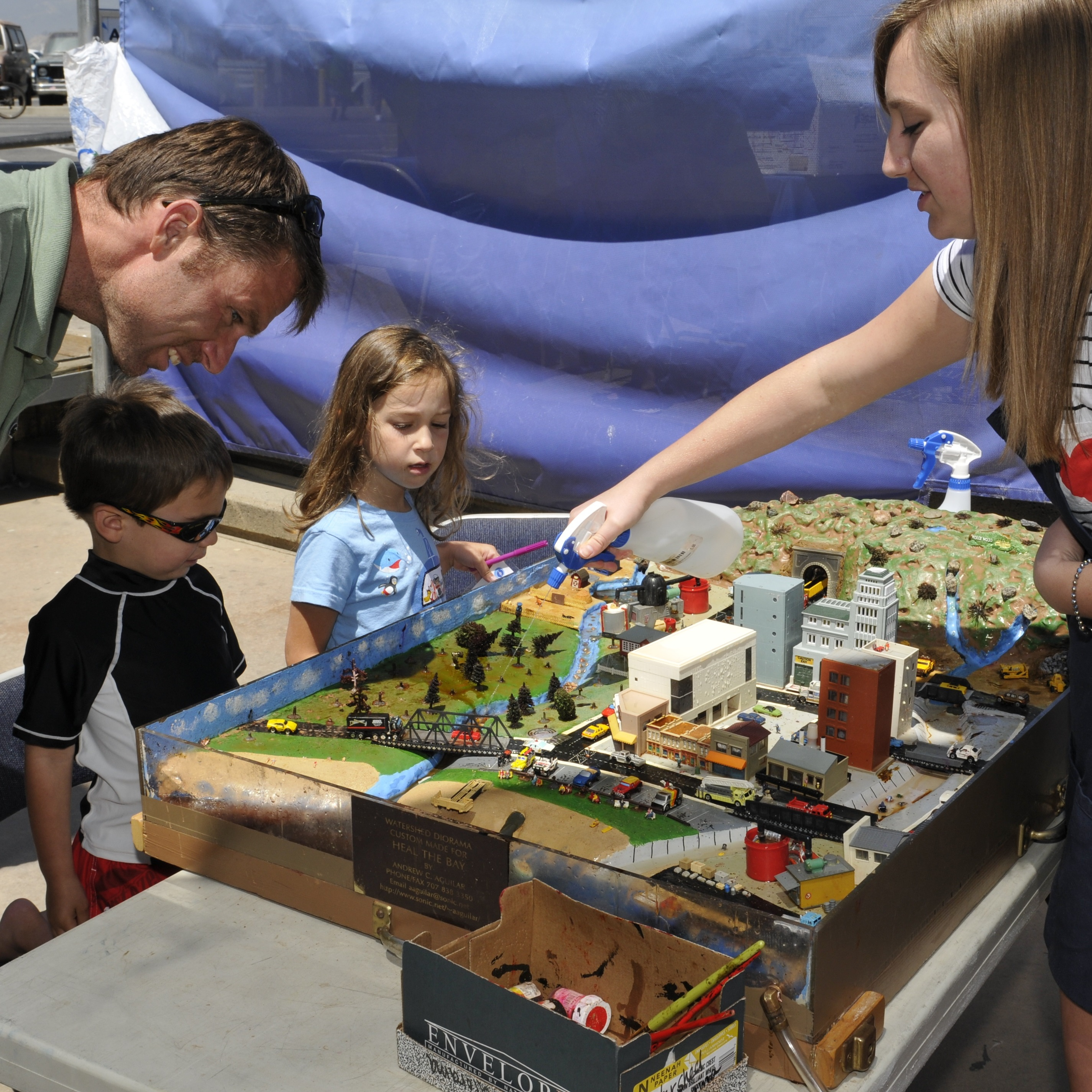 Volunteer with Diorama Demo at Heal the Bay's Santa Monica Pier Aquarium
