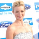 Amy Smart Rachel Pally Beach Report Card Riding Currents Aquarium